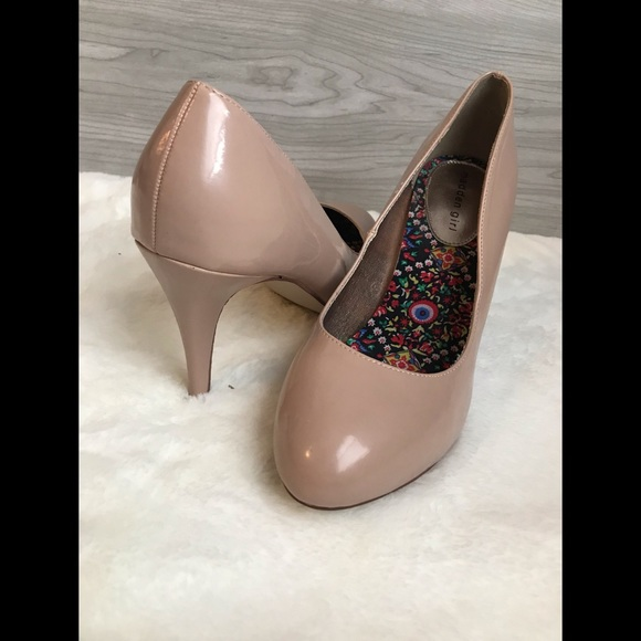 madden girl Shoes - Madden girl size 10 nude heels with 4in heel